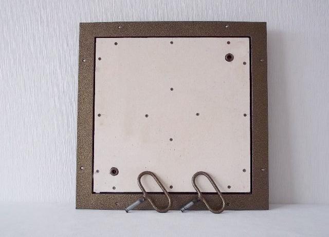 люк напольный под плитку со съемной створкой